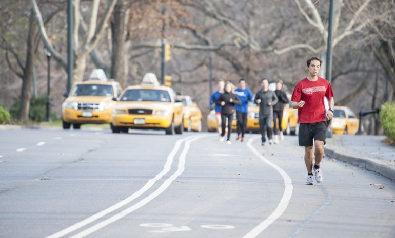 Car pollution in NYC Central Park not healthy for runners or cyclists
